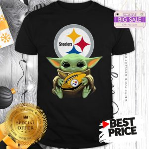 Official Star Wars Football Baby Yoda Hug Pittsburgh Steelers Shirt