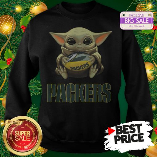 Official Top Baby Yoda Hug Green Bay Packer Sweatshirt
