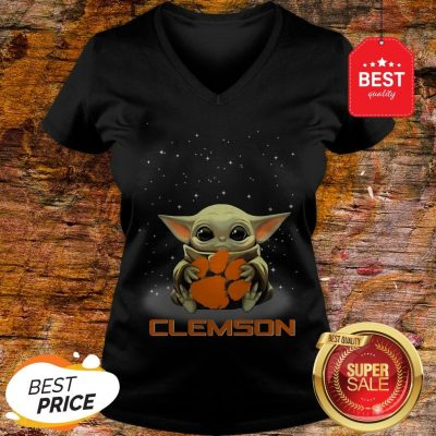 Official The Star Wars Baby Yoda Hug Clemson Tigers V-Neck