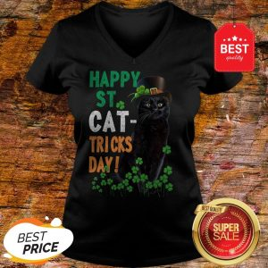 Official Happy St Cat-Tricks Day St. Patrick Day Black Cat V-Neck