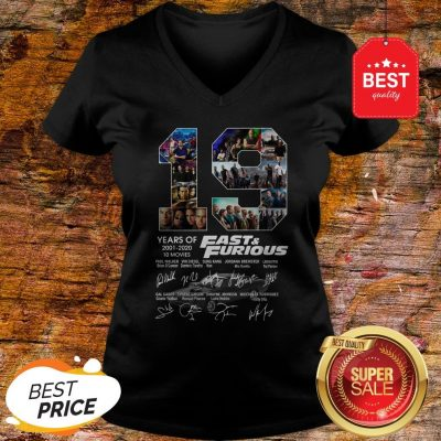 Official 19 Years Of Fast & Furious 2001 2020 10 Movies Signatures V-Neck