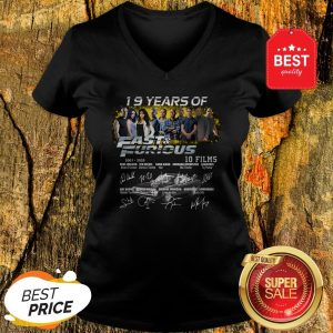 Official 19 Years Of 2001 2020 Fast And Furious 10 Films Signatures V-Neck