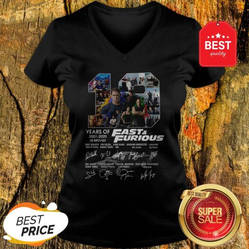 Official Fast And Furious 19 Years Of 2001 2020 10 Movies Signatures V-Neck