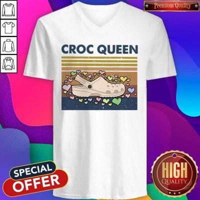 Funny Croc Quen Vintage V-neck