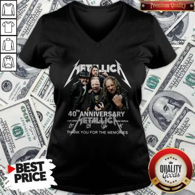 Metallica 40th Anniversary Thank You For The Memories Signatures V-neck