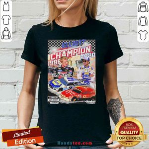 Official Elliott Champion 1988 2020 Hendrick Signatures V-neck- Design By Proposetees.com