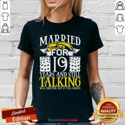 19th Wedding Anniversary For Wife Her Marriage V-neck- Design By Handstee.com