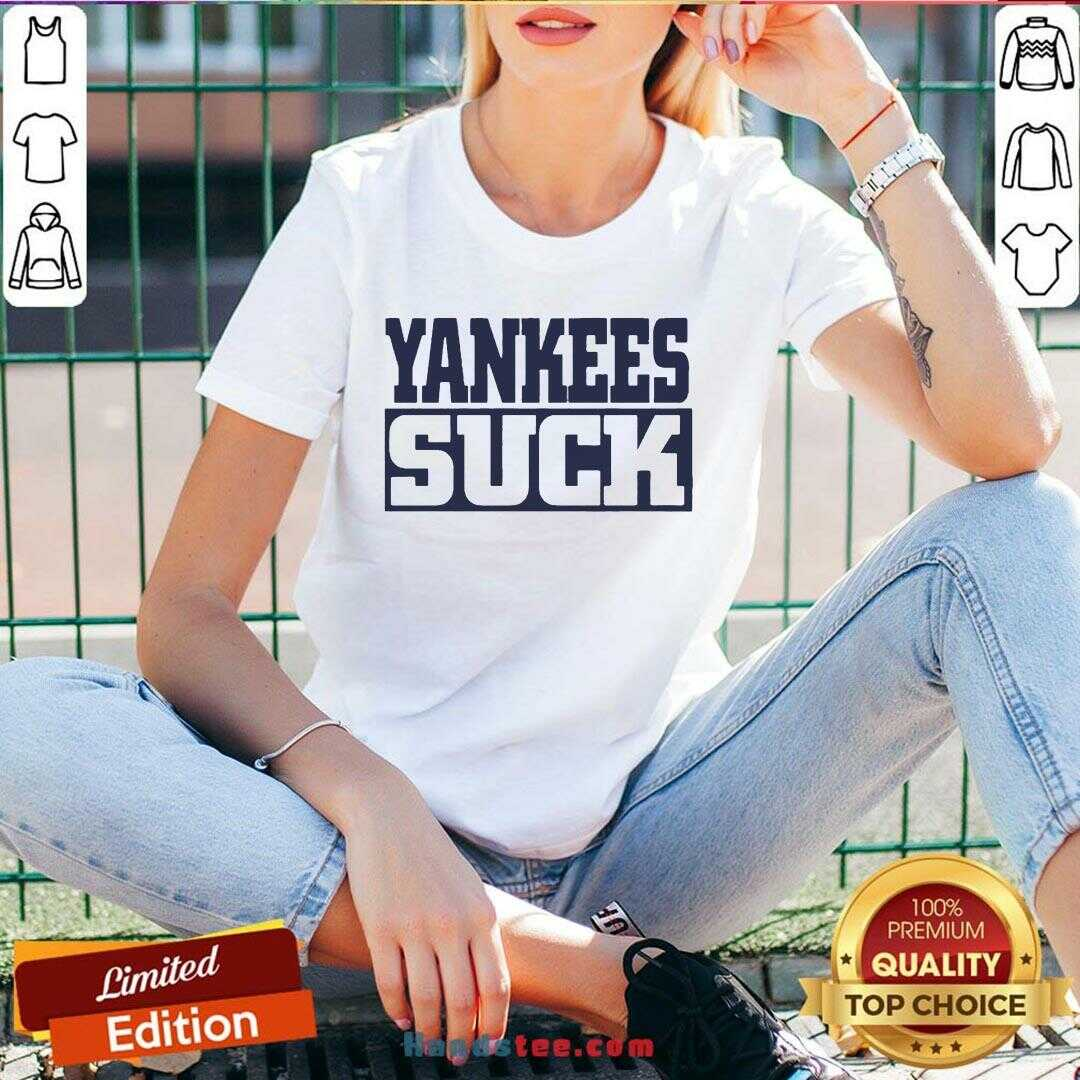 Perfect Yankees Suck 2020 V-neck- Design By Handstee.com