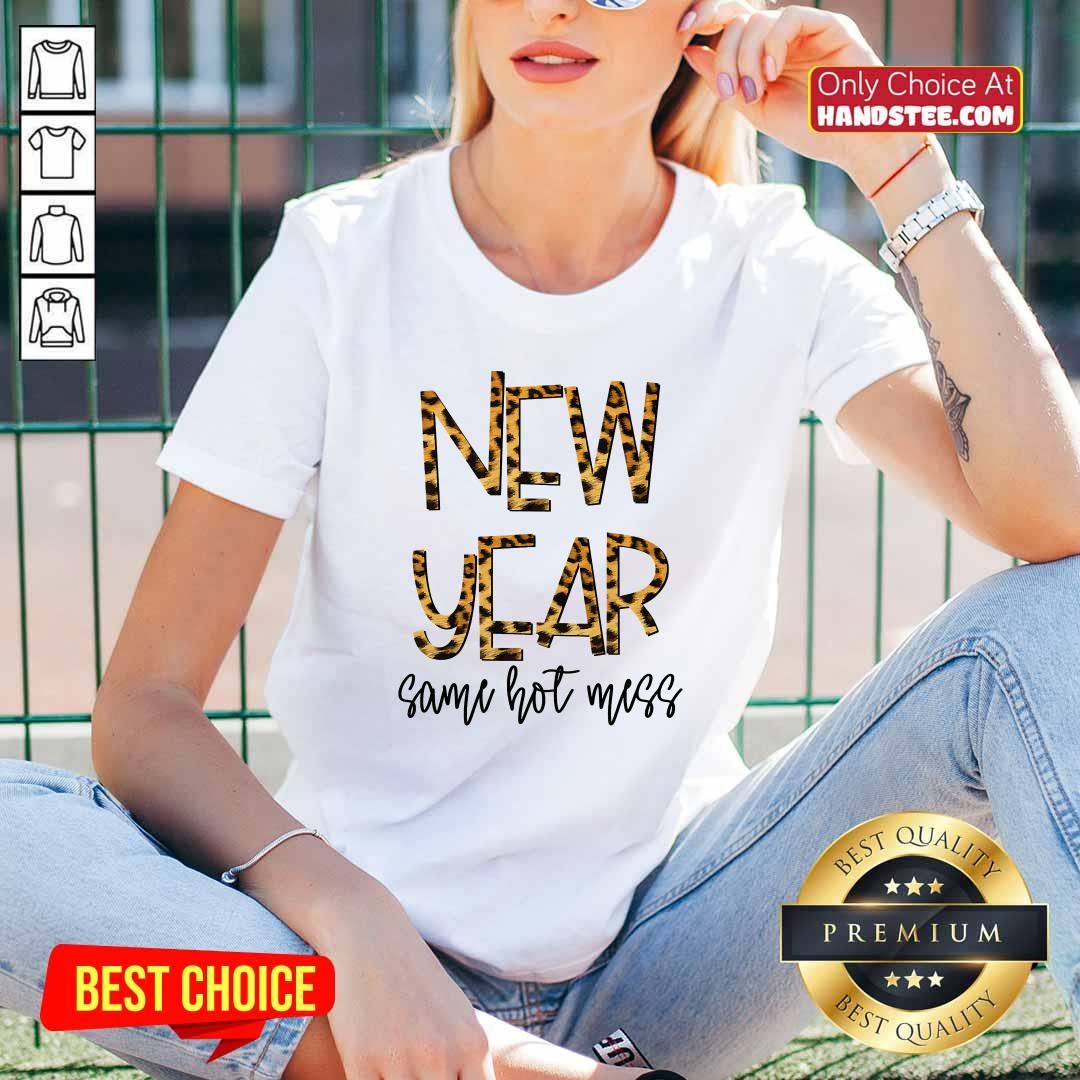 Nice New Year Same Hot Mess 2021 Eve Party Leopard V-neck - Design by handstee.com