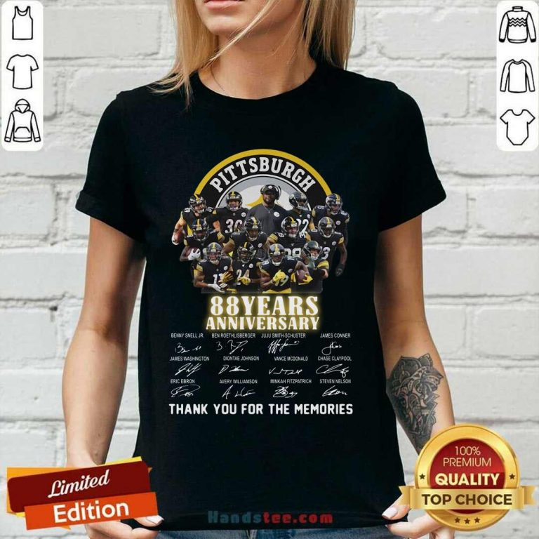 Pittsburgh Steelers 88 Years Anniversary Thank You For The Memories Signatures V-neck - Design by handstee.com