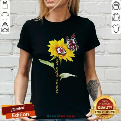 Sunflower And Butterfly Kansas City Chiefs Football Never Give Up V-neck - Design by handstee.com