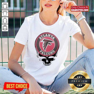 Top Atlanta Falcons Football Skull V-neck - Design by handstee.com