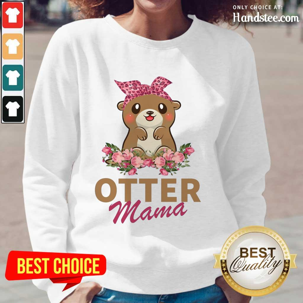 Confident Otter Mama With Floral Long-Sleeved