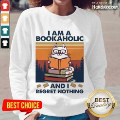 Ecstatic Cat I Am A Bookaholic Relaxed Long-Sleeved
